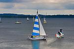 Jachty na jeziorze Dargin na Mazurach.