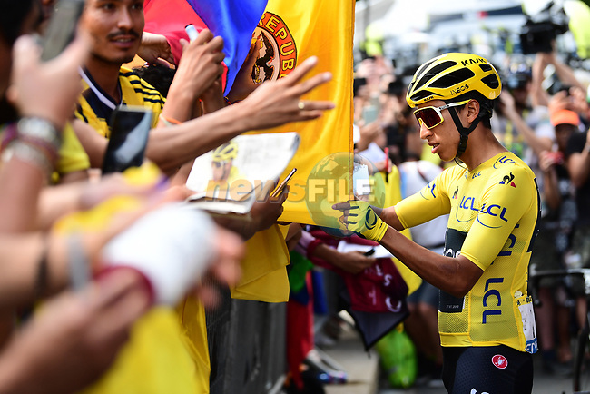 Yellow Jersey Egan Bernal (COL) Team Ineos with fans at sign on before the start of Stage 21 of the 2019 Tour de France running 128km from Rambouillet to Paris Champs-Elysees, France. 28th July 2019.<br /> Picture: ASO/Alex Broadway | Cyclefile<br /> All photos usage must carry mandatory copyright credit (© Cyclefile | ASO/Alex Broadway)