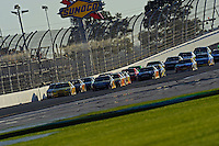 Clint Bowyer (#33) leads the field.