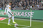 04.11.2018, Borussia Park , Moenchengladbach, GER, 1. FBL,  Borussia Moenchengladbach vs. Fortuna Duesseldorf,<br />  <br /> DFL regulations prohibit any use of photographs as image sequences and/or quasi-video<br /> <br /> im Bild / picture shows: <br /> Ecke Thorgan Hazard (Gladbach #10),  <br /> <br /> Foto &copy; nordphoto / Meuter
