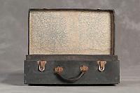 Willard Suitcases / Ruth P / ©2014 Jon Crispin