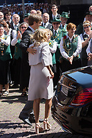 Mariage du Prince Ernst junior de Hanovre et de Ekaterina Malysheva &agrave; l'&eacute;glise Markkirche &agrave; Hanovre.<br /> Allemagne, Hanovre, 8 juillet 2017.<br /> Wedding of Prince Ernst Junior of Hanover and Ekaterina Malysheva at the Markkirche church in Hanover.<br /> Germany, Hanover, 8 july 2017<br /> Pic :  Prince Ernst Junior of Hanover &amp; his mother  Chantal Hochuli