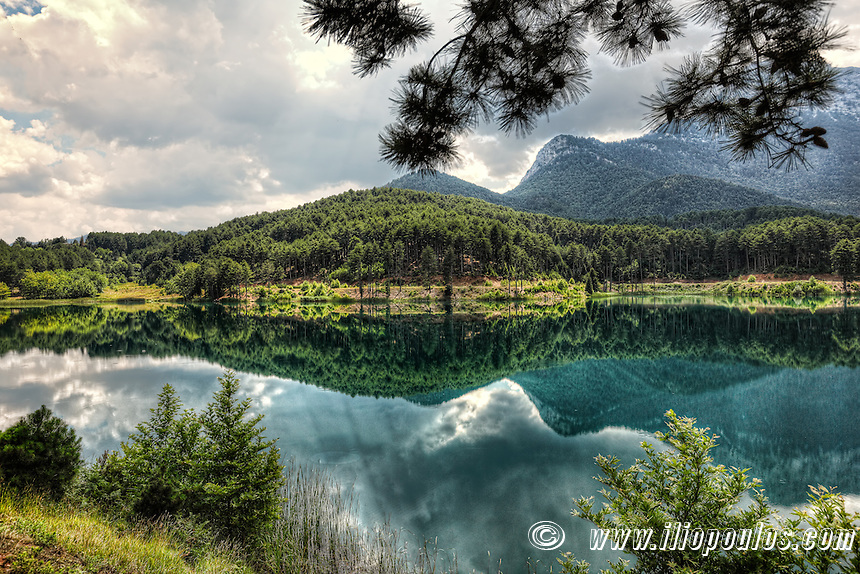 Lake Doxa in Feneos, Greece