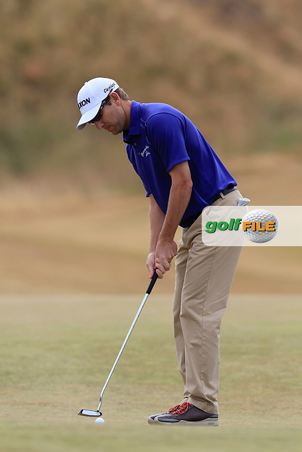 George MCNEILL (USA) putts on the 1st green during Thursday's Round 1 of the 2015 U.S. Open 115th National Championship held at Chambers Bay, Seattle, Washington, USA. 6/18/2015.<br /> Picture: Golffile | Eoin Clarke<br /> <br /> <br /> <br /> <br /> All photo usage must carry mandatory copyright credit (&copy; Golffile | Eoin Clarke)