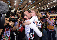 Pictures by SWpix.com - 06/03/2016 - Cycling - 2016 UCI Track Cycling World Championships, Day 5 - Lee Valley VeloPark, London, England - Men's Madison Final - CAVENDISH Mark celebrates winning the Madison with daughter