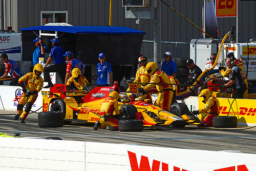Verizon IndyCar Series<br /> Iowa Corn 300<br /> Iowa Speedway, Newton, IA USA<br /> Sunday 9 July 2017<br /> Ryan Hunter-Reay, Andretti Autosport Honda makes a pit stop.<br /> World Copyright: F. Peirce Williams<br /> LAT Images