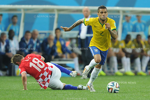 Daniel Alves (BRA), JUNE 12, 2014 - Football / Soccer : FIFA World Cup Brazil 2014 Group A match between Brazil 3-1 Croatia at Arena de Sao Paulo in Sao Paulo, Brazil. (Photo by SONG Seak-In/AFLO)