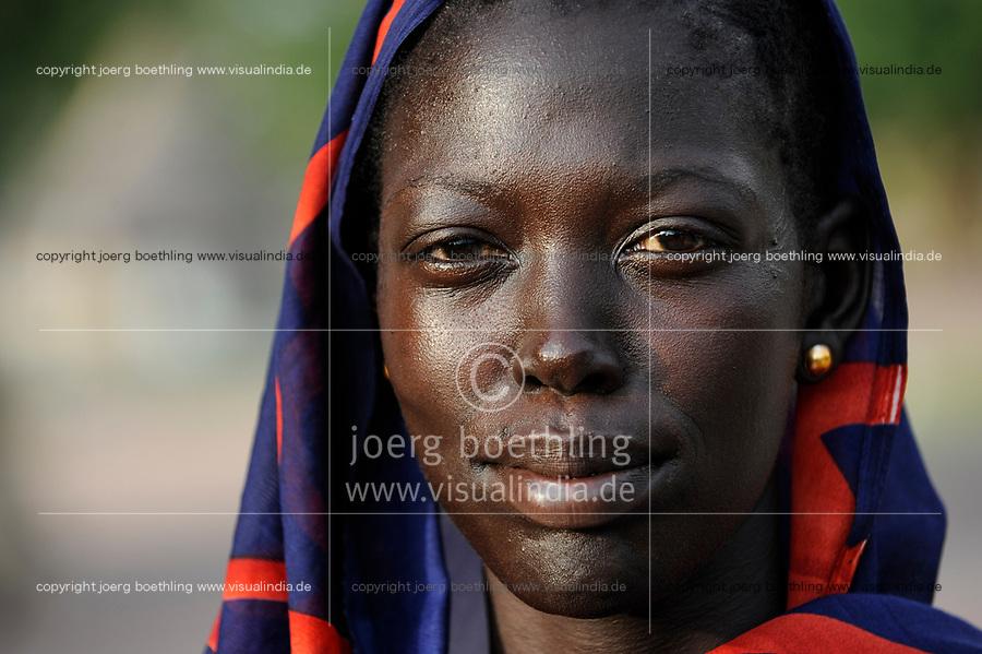 SOUTH-SUDAN Rumbek, portraiture of Dinka woman / SUED-SUDAN Rumbek, Dinka Frau