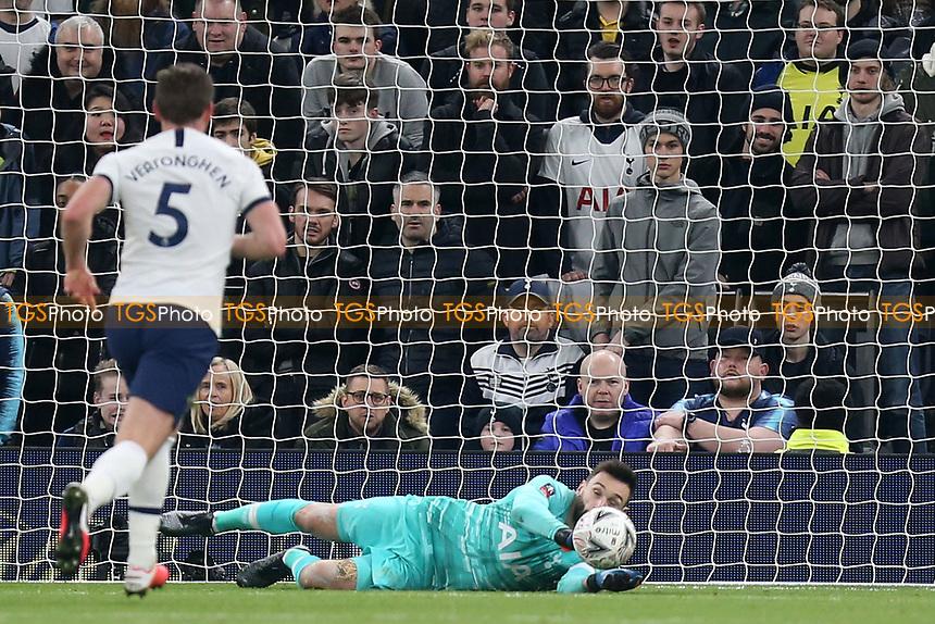 Hugo Lloris of Tottenham Hotspur parries a shot during Tottenham Hotspur vs Southampton, Emirates FA Cup Football at Tottenham Hotspur Stadium on 5th February 2020