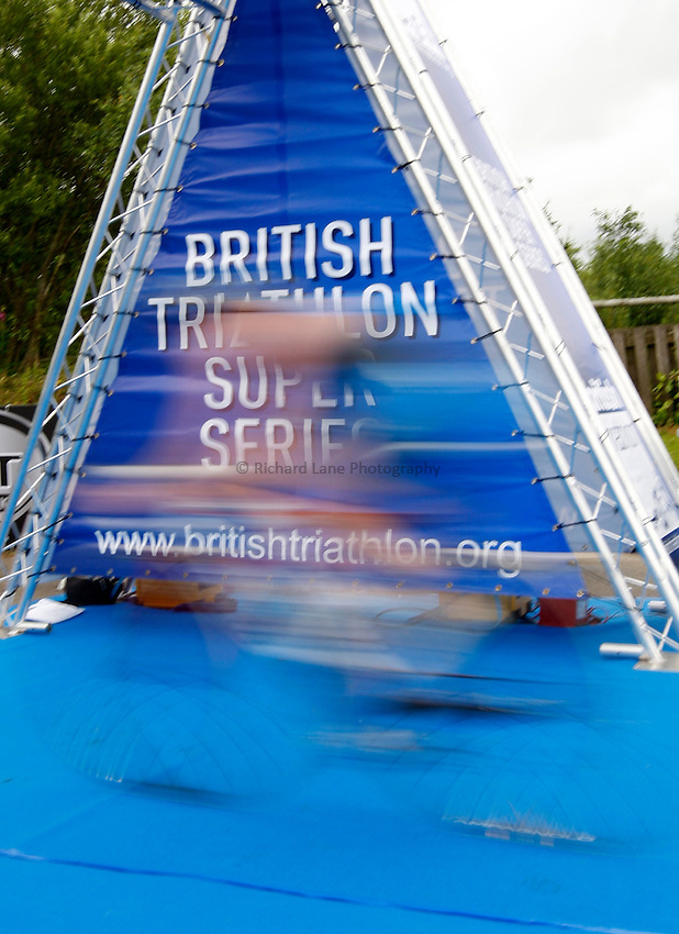 Photo: Richard Lane/Richard Lane Photography. British Triathlon Super Series, Parc Bryn Bach. 18/07/2009. British Triathlon Super Series branding.