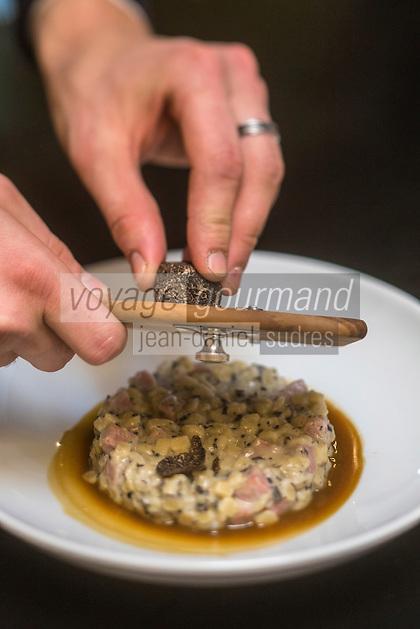 Europe/France/Rhone-Alpes/73/Savoie/Courchevel: Restaurant: Zinc des Neiges, à Courchevel 1850. Crozets au jambon et aux truffes