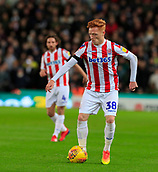 9th February 2019, bet365 Stadium, Stoke-on-Trent, England; EFL Championship football, Stoke City versus West Bromwich Albion; Ryan Woods of Stoke City controls the ball in midfield