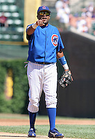 Chicago Cubs second baseman Neifi Perez during a game against the New York Mets at Wrigley Field on July 15, 2006 in Chicago, Illinois.  (Mike Janes/Four Seam Images)