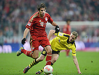 FUSSBALL   1. BUNDESLIGA  SAISON 2012/2013   15. Spieltag FC Bayern Muenchen - Borussia Dortmund     01.12.2012 Javi Martinez (li, FC Bayern Muenchen) gegen Sven Bender (Borussia Dortmund)