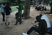 """Rio Branco, Acre, 22.05.2015 - Centenas de imigrantes haitianos est""""o no abrigo em Rio Branco no Acre, em uma ch·cara nas proximidades da cidade, onde a capacidade para 200 pessoas, mas atualmente cerca de 500 imigrantes est""""o no local. Diariamente chegam aproximadamente 90 pessoas no local superlotando mais ainda. O MinistÈrio da JustiÁa fez no inÌcio dessa semana, (18), uma solicitaÁ""""o ao governo do Acre para que as viagens fossem suspensas com destino para a capital paulista. A suspens""""o das viagens dos haitianos para S""""o Paulo foi um pedido da Prefeitura, que, em nota, disse que tem o dever de acolher os imigrantes, mas que n""""o estava preparada para receber tanta gente de surpresa. Os haitianos vÍm para capital paulista em busca de oportunidades, mas muitas vezes acabam sem emprego e sem dinheiro."""