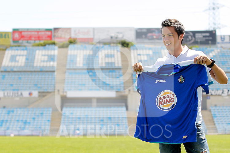 Getafe's new player Plablo Sarabia during his official presentation. July 11, 2011. (ALTERPHOTOS/Acero)