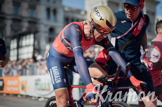 Vincenzo Nibali (ITA/Bahrain-Merida), dissapointed by dropping to 3rd in the GC) escorted to the (final) podium after finishing the closing TT into Milano<br /> <br /> stage 21: Monza - Milano (29km)<br /> 100th Giro d'Italia 2017