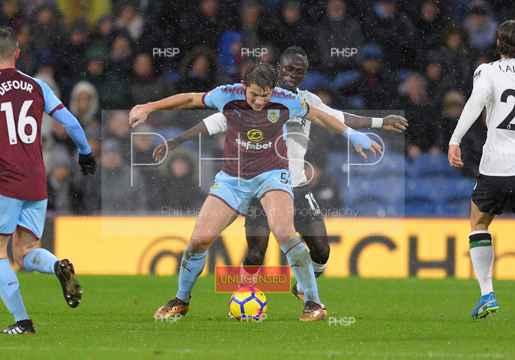 01/01/2018 Premier League Burnley v Liverpool<br /> <br /> James Tarkowski shields the ball from Sadio Mane