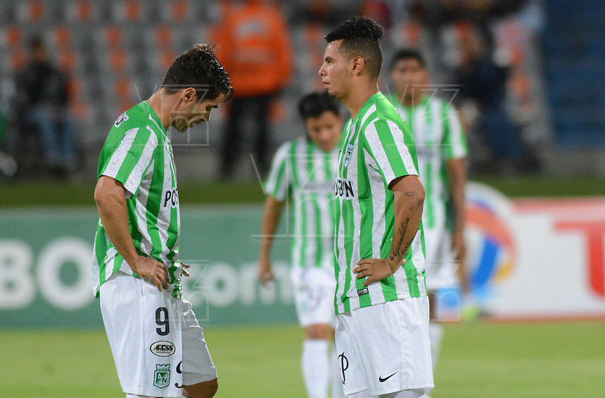 MEDELLIN- COLOMBIA - 10-09-2014: Los Jugadores de Atletico Nacional de Colombia se retiran de la cancha luego de perder con General Diaz de Paraguay durante partido de ida de la segunda fase, llave16, de la Copa Total Suramericana entre Atletico Nacional de Colombia y General Diaz de Paraguay en el estadio Atanasio Girardot del ciudad de Medellin.  / The players of Atletico Nacional of Colombia, leave out the field after losing with General Diaz of Paraguay during a match for the first leg of the second phase, key16, between Atletico Nacional de Colombia y General Diaz de Paraguay of the Copa Total Suramericana in the Atanasio Girardot  stadium, in Medellin city. Photo: VizzorImage / Luis Rios / Str.