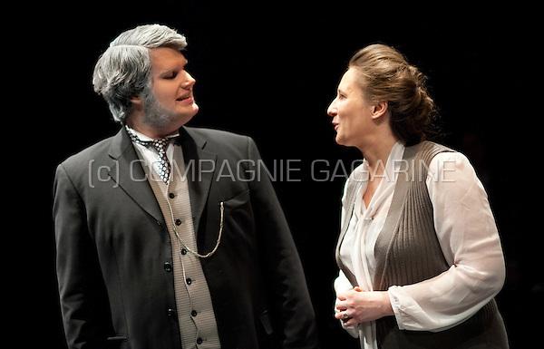 Theatre company De Dijlezonen playing Een Vijand Van Het Volk / The Wisdom Of The Crowd from Henrik Ibsen, directed by Jo Matthijs (Belgium, 23/04/2015)