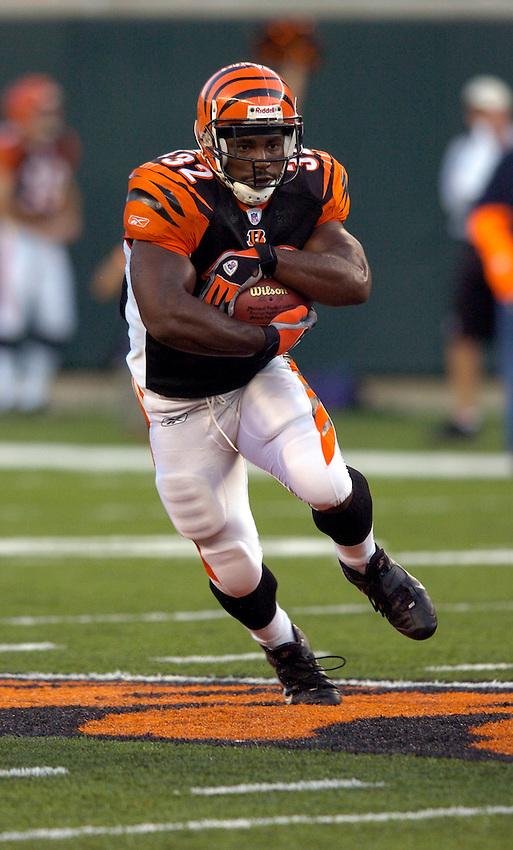 Cincinnati Bengals running back Rudi Johnson during the 2004 NFL season.