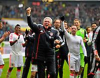 FRANKFURT, ALEMANHA, 06 ABRIL 2013 - CAMPEONATO ALEMÃO - EINTRACHT FRANKFURT X BAYERN MUNIQUE - Jupp Heynckes (C) do Bayern de Munique comemora a conquista do Campeonato Alemão com sete rodadas de antecendencia em partida contra o Eintracht Frankfur na cidade de Frankfurt na Alemanha, neste sábado, 06.  FOTO: BERND FEIL /  PIXATHLON / BRAZIL PHOTO PRESS..