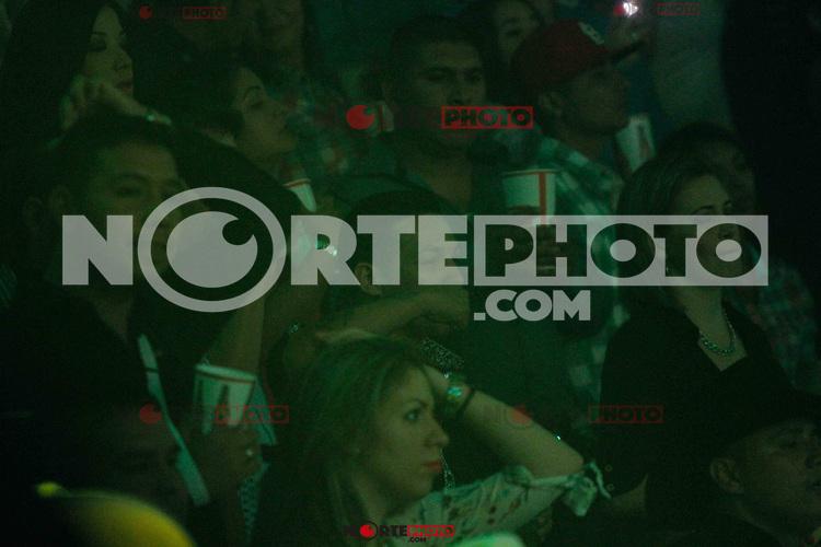 Boxeador Hernan &uml;Tayson&uml; Marquez ex campe&oacute;n mundial<br /> <br /> Tito Torbellino se presento en el palenque de la Expogan2014. 4 Mayo 2014