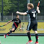 BLOEMENDAAL   - Hockey - Valentin Verga (A'dam) heeft de stand op 0-3 gebracht.   3e en beslissende  wedstrijd halve finale Play Offs heren. Bloemendaal-Amsterdam (0-3).     Amsterdam plaats zich voor de finale.  COPYRIGHT KOEN SUYK