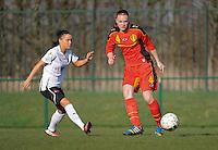 U19 Belgian Red Flames - Austria :<br /> <br /> Tine De Caigny (R) ontzet voor de aankomende Claudia Wasser (L)<br /> <br /> foto Dirk Vuylsteke / Nikonpro.be