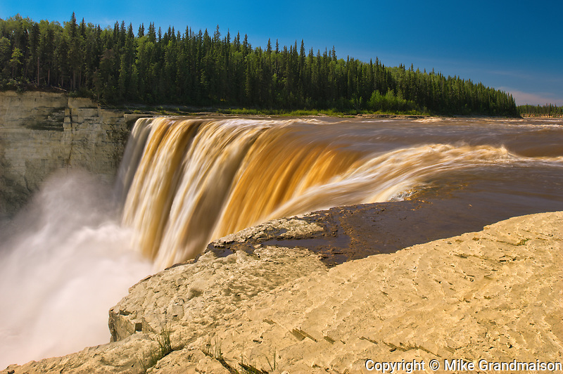 Hay River at Alexandra Falls on the Waterfalls Route (Highway)  (Mackenzie Highway)<br /> Twin Falls Gorge Territorial Park<br /> Northwest Territories<br /> Canada