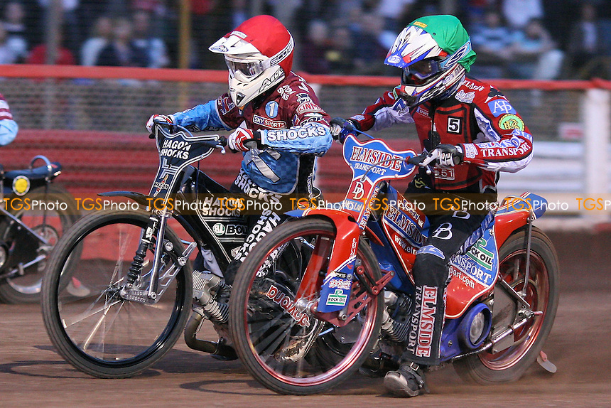 Heat 6 re-run: Lee Richardson (red) and James Wright (green) off the start - Lakeside Hammers vs Belle Vue Aces - Sky Sports Elite League Speedway at Arena Essex Raceway, Purfleet - 31/07/09 - MANDATORY CREDIT: Gavin Ellis/TGSPHOTO - Self billing applies where appropriate - Tel: 0845 094 6026