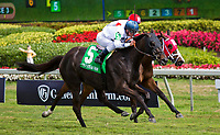 HALLANDALE BEACH, FL - JANUARY 27: Texting #5, with Javier Castellano riding, wins the La Prevoyente Stakes on Pegasus World Cup Invitational Day at Gulfstream Park Race Track on January 27, 2018 in Hallandale Beach, Florida. (Photo by Liz Lamont/Eclipse Sportswire/Getty Images)