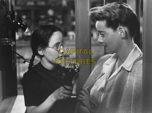 BETTE DAVIS With Janis Wilson.in Now Voyager.*Filmstill - Editorial Use Only*.CAP/PLF.Supplied by Capital Pictures.