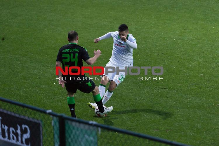 13.01.2015, Regnum Sport Center, Belek, TUR, 1.FBL, FSP Werder Bremen vs Borussia Moenchengladbach , im Bild<br /> <br /> Tony Jantschke (Borussia M&ouml;nchengladbach)<br /> Marnon Busch (Bremen #38) <br /> <br /> Foto &copy; nordphoto / Kokenge