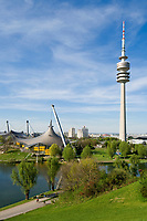 Deutschland, Bayern, Oberbayern, Muenchen: Olympia-Park mit Fernsehturm | Germany, Bavaria, Upper Bavaria, Munich: Olympic Park with TV-tower
