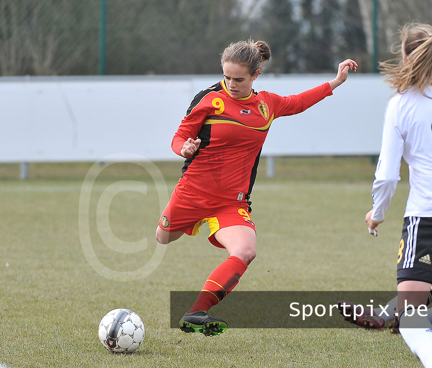 Belgie U17 - Duitsland U17 : Amber Maximus.foto DAVID CATRY / Vrouwenteam.be