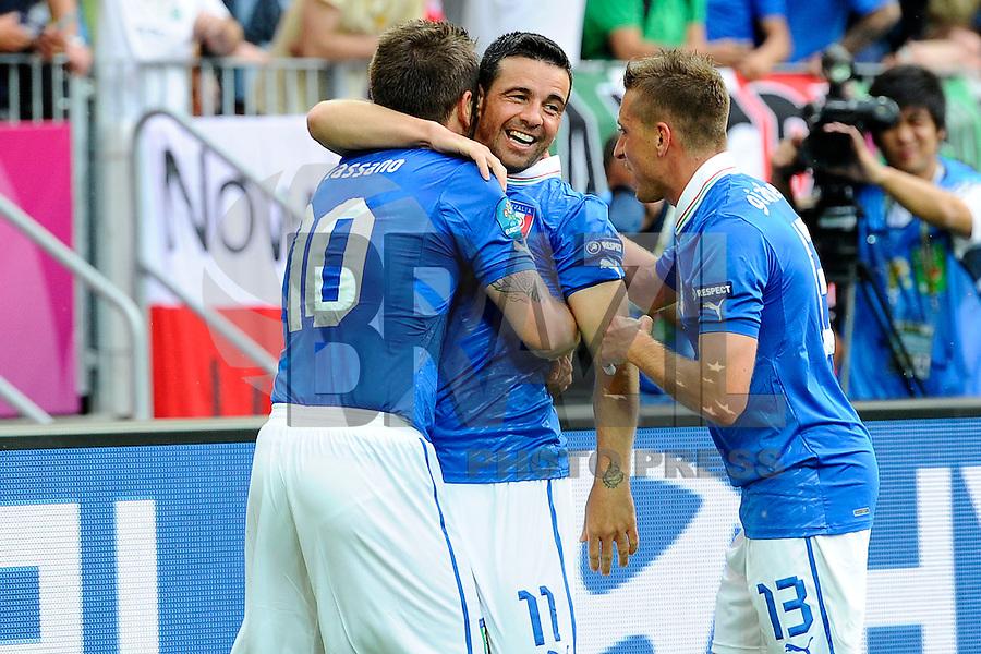 GDANSK, POLONIA, 10 JUNHO 2012 - EURO 2012 -  ESPANHA X ITALIA - Antonio Di Natale jogador da Italia (C) comemora gol contra a Espanha, em jogo valido pela primeira rodada do Grupo C, na Arena de Gdansk na Polonia neste domingo, 10. (FOTO: DANIELE BUFFA / PIXATHLON / BRAZIL PHOTO PRESS.