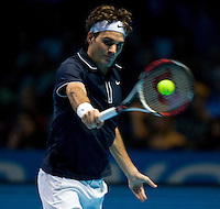 Roger Federer (SUI) against Fernando Verdasco (ESP) in the Group A match of the Barclays ATP World Tour Finals. Federer beat Verdasco 4-6 7-5 6-1 ..International Tennis - Barclays ATP World Tour Finals - O2 Arena - London - Day 1 - Sun 22 Nov 2009..© Frey - AMN IMAGES, Level 1 Barry House, 20-22 Worple Road, London, SW19 4DH - +44 20 8947 0100