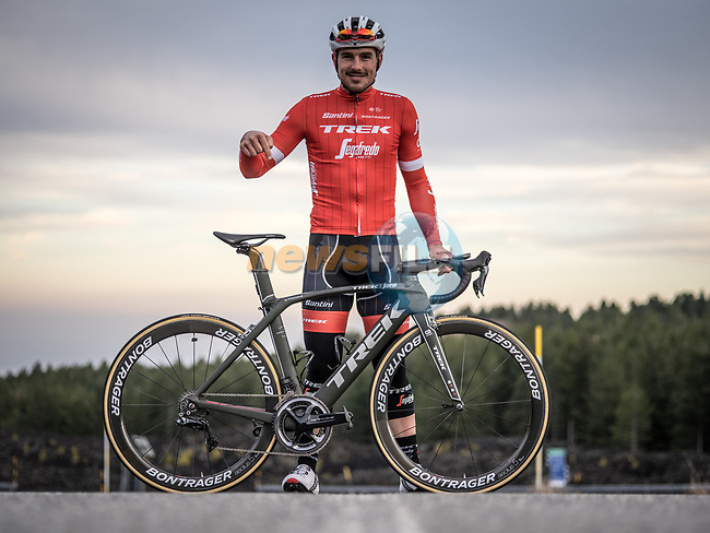 "Trek-Segafredo rider John Degenkolb (GER) has been riding and racing with success his new Project One Madone.The new ""Chasin' Aces"" theme features a Black Moss base color, with subtle pin-striping inspired by John's beloved Café Racer motorcycle outlining the frame. Red fades inside the fork and chain stays pair with hints of silver to complete this limited-edition design. 7th February 2018.<br /> Picture: Trek Factory Racing 