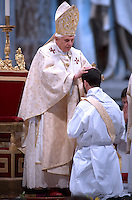 Pope Benedict XVI waves as celebrates a  priests ordination mass in Saint Peter's Basilica at the Vatican 27/04/2008.. December. 25, 2007.. .
