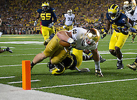 Irish tight end Troy Niklas (85) dives into the end zone for a touchdown as Michigan Wolverines safety Jarrod Wilson (22) defends in the third quarter.