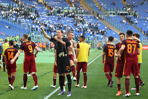 03.04.2016. Stadium Olimpico, Rome, Italy.  Serie A football league. Derby Match SS Lazio versus AS Roma. Celebration by Roma Team players after the match
