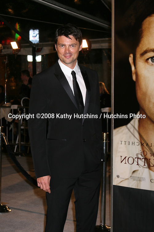 """Karl Urban arriving at the LA  Premiere of """"The Curious Case of Benjamin Button"""" at the Mann's Village Theater in Westwood, CA .December 8, 2008.©2008 Kathy Hutchins / Hutchins Photo....                ."""