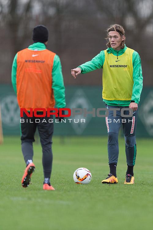07.02.2016, Trainingsgelaende, Bremen, GER, 1.FBL, Training Werder Bremen<br /> <br /> im Bild<br /> Jannik Vestergaard (Bremen #7) am Ball, <br /> <br /> Foto &copy; nordphoto / Ewert