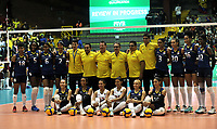 BOGOTÁ-COLOMBIA, 07-01-2020: Jugadoras de Colombia, posan para una foto antes de partido entre Venezuela y Colombia en el Preolímpico Suramericano de Voleibol, clasificatorio a los Juegos Olímpicos Tokio 2020, jugado en el Coliseo del Salitre en la ciudad de Bogotá del 7 al 9 de enero de 2020. / Players from Colombia, pose for a photo prior a match between Venezuela and Colombia, in the South American Volleyball Pre-Olympic Championship, qualifier for the Tokyo 2020 Olympic Games, played in the Colosseum El Salitre in Bogota city, from January 7 to 9, 2020. Photo: VizzorImage / Luis Ramírez / Staff.
