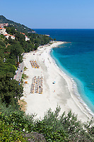 Greece, Thessaly, peninsula Pelion (also named Pilion), Agios Ioannis bay with view over Papa Nero beach | Griechenland, Thessalien, Halbinsel Pelion (auch Pilion), Bucht von Agios Ioannis mit Blick auf den Papa Nero beach