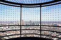 Nederland - Den Haag -  Februari 2019.  Den Haag. Op de achtergrond de Noordzee. Uitzicht vanaf  The Penthouse Skybar.    Foto Berlinda van Dam / Hollandse Hoogte