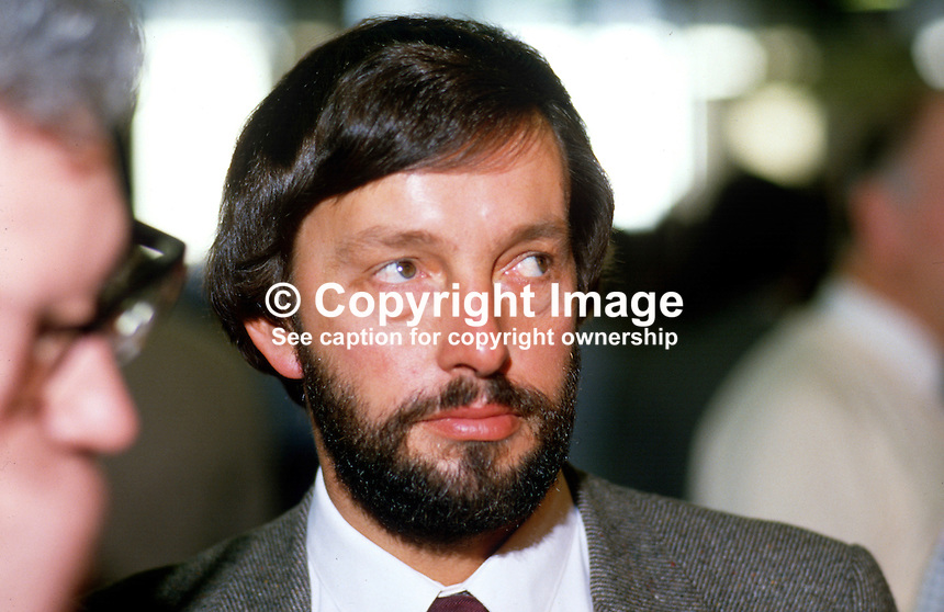 David Blunkett, MP, Labour Party, UK, 19870918DB..Copyright Image from Victor Patterson, 54 Dorchester Park, Belfast, UK, BT9 6RJ..Tel: +44 28 9066 1296.Mob: +44 7802 353836.Voicemail +44 20 8816 7153.Skype: victorpattersonbelfast.Email: victorpatterson@me.com.Email: victorpatterson@ireland.com (back-up)..IMPORTANT: If you wish to use this image or any other of my images please go to www.victorpatterson.com and click on the Terms & Conditions. Then contact me by email or phone with the reference number(s) of the image(s) concerned.