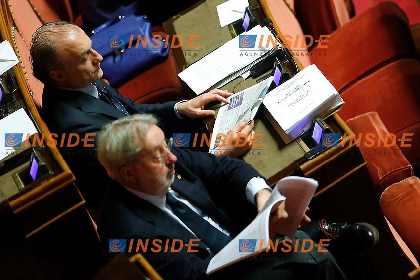 Vittorio Fravezzi ed Enrico Buemi<br /> Roma 20-11-2015 Senato. Voto di Fiducia sul maxiemendamento sostitutivo del ddl stabilita' 2016.<br /> Photo Samantha Zucchi Insidefoto