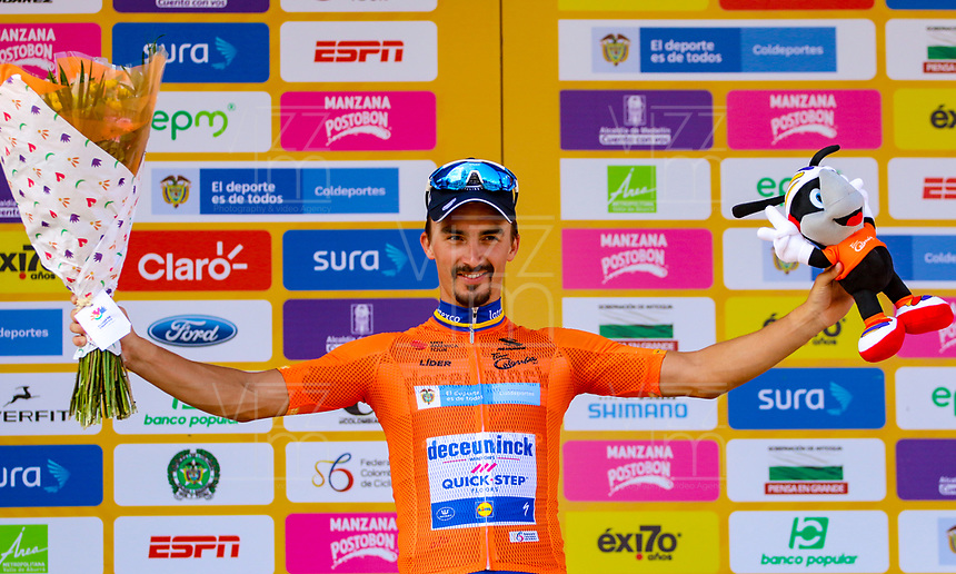 LA UNION - COLOMBIA, 16-02-2019: Julian ALAPHILIPPE (FRA), Deceuninck - Quick Step Floors, celebra como líder general después de la la quinta etapa del Tour Colombia 2.1 2019 con un recorrido de 176.8 Km, que se corrió con salida y llegada en La Union, Antioquia. / Julian ALAPHILIPPE (FRA), Deceuninck - Quick Step Floors, celebrates as overal leader after of the fifth stage of 176.8 km of Tour Colombia 2.1 2019 that ran with start and arrival in La Union, Antioquia.  Photo: VizzorImage / Anderson Bonilla / Cont